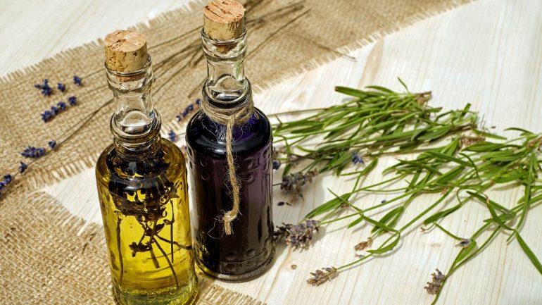 Liečivý levanduľový olej: Pripravte si ho doma