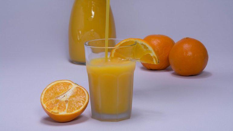 Pripravte si domáci pomarančový sirup, naučíme vás ako