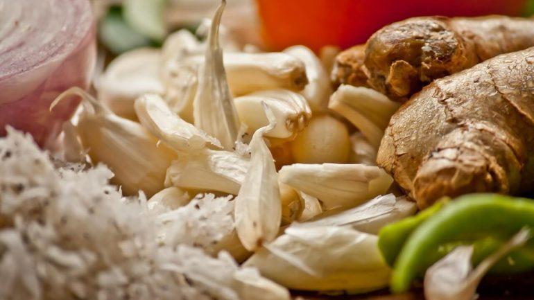 Cesnak a cibuľa, Nápoj z 5 prírodných zložiek ktoré zabíjajú infekciu vo vašom tele