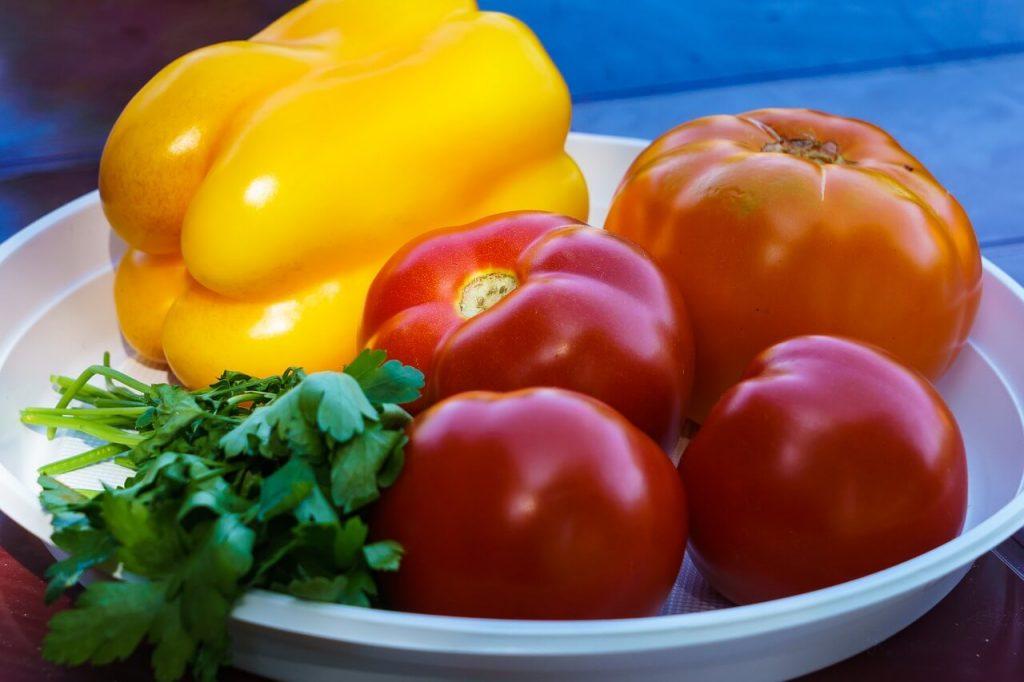 recept na papriku v rajčiakovom pretlaku