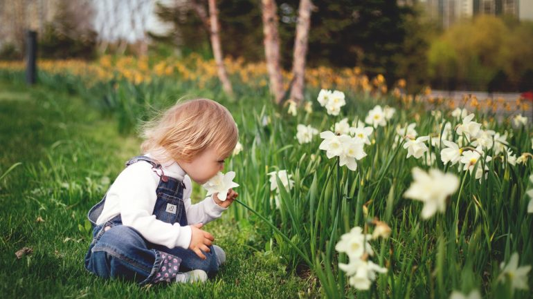 Rady, ako dostanete do záhrady deti v každom veku
