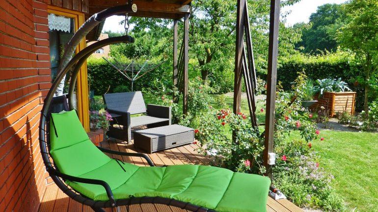 Dovolenka doma: Navoďte si prázdninovú atmosféru vo vašej záhrade