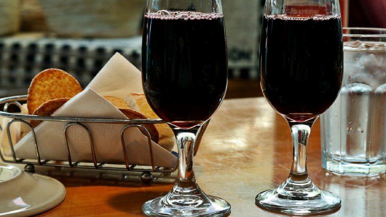 Ako urobiť víno zo sliviek