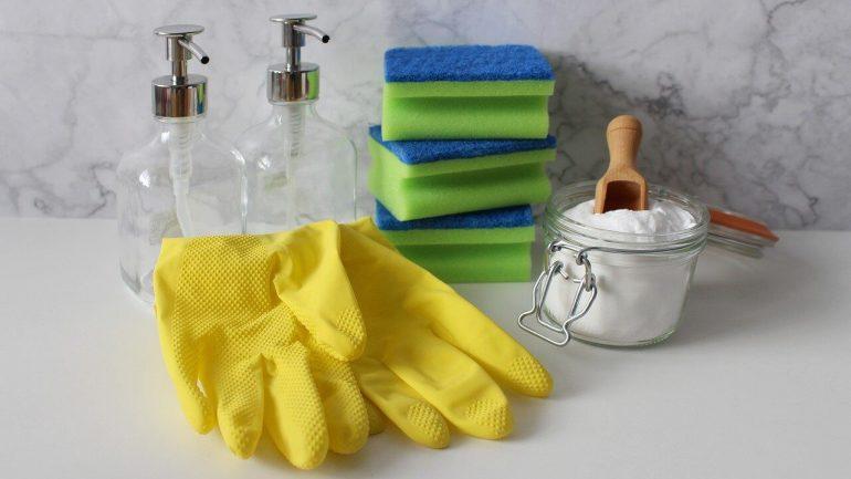 Ako si vyrobiť čistiace prostriedky, ktoré sú netoxické, ale za to účinné