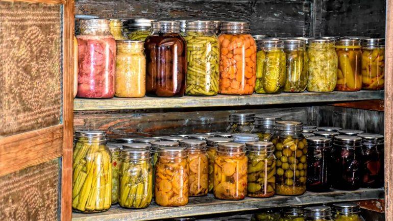 Zelenina a ovocie, ktoré sa dajú konzervovať na jar