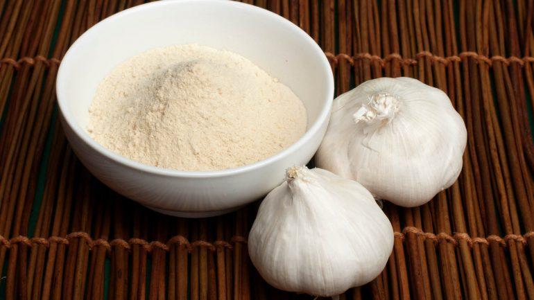 Ako si urobiť domáci sušený cesnak
