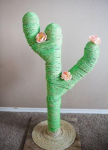Škrabadlo v tvare kaktusu.