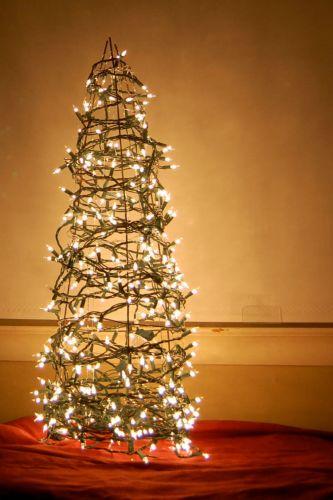 Vianočný stromček z drôtu