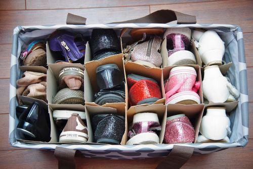 Priehladná taška na topánky