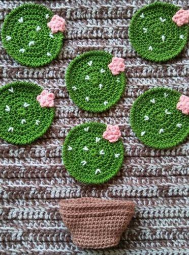 Hačkované kaktusy