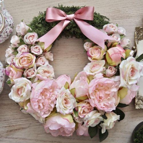 Krásny veniec z ruží