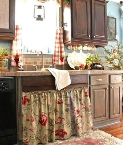 Obyčajný záves, dodá vašej kuchyni ten správny štýl.